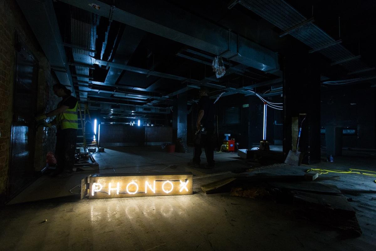 Phonox photo
