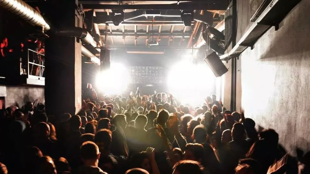Clubs in Italy can reopen at 50 percent capacity indoors image