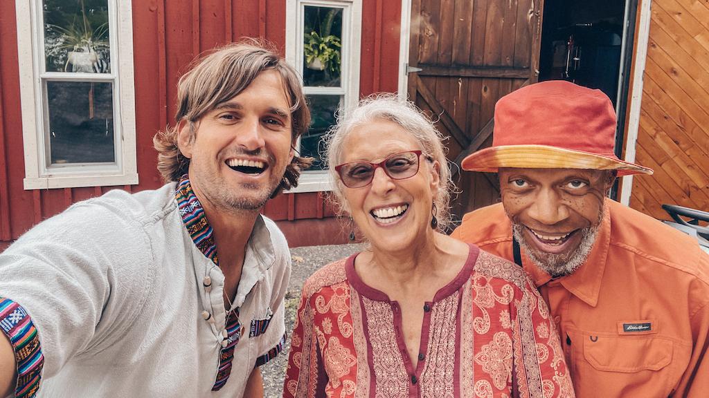 Laraaji collaborates with members of Swans, Mercury Rev, Mùm on new album, Circle Of Celebration image