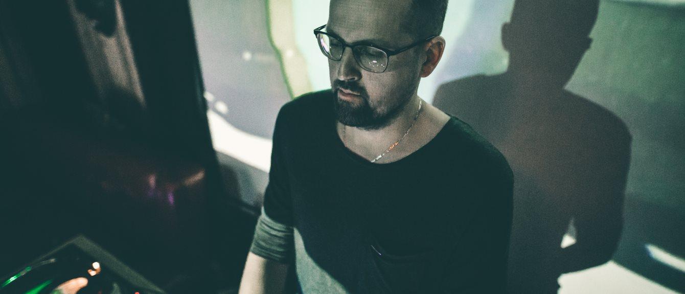Cover image for DJ NEi